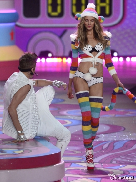 justin-bieber-victorias-secret-fashion-show
