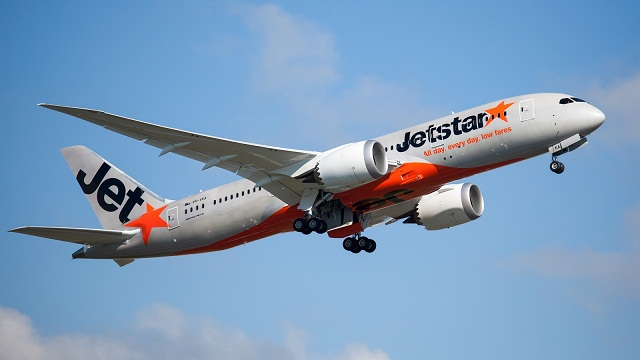 Jetstar 787 in air