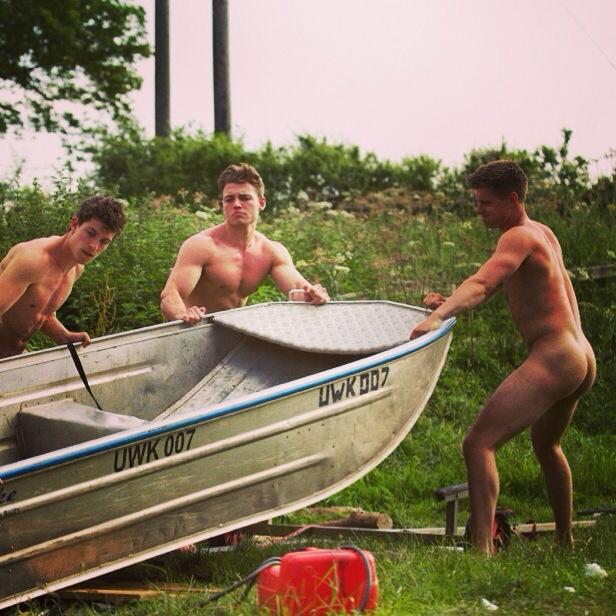 warwick_rowing_men_naked_calendar_28