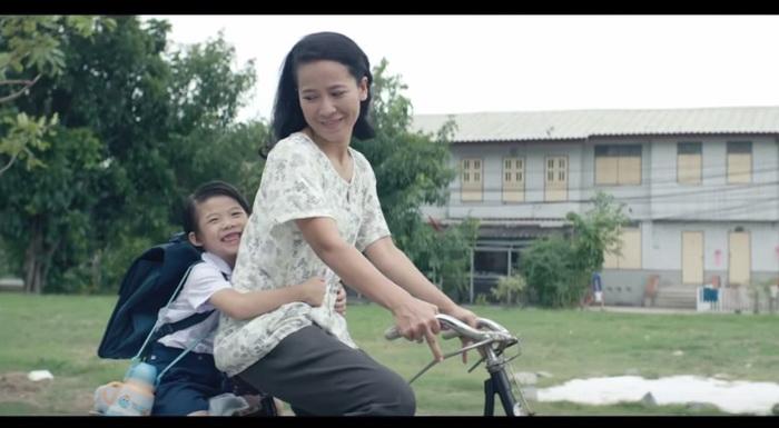 bangkok life assurance ads mom