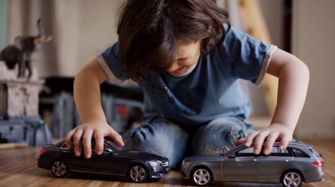 mercedes bez magnet toy car