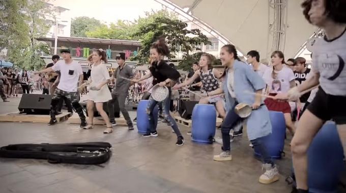 thai campaign flashmob (1)