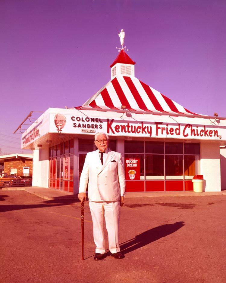 KFC brand history Sander Colonel เดวิด แซนเดอร์ส3