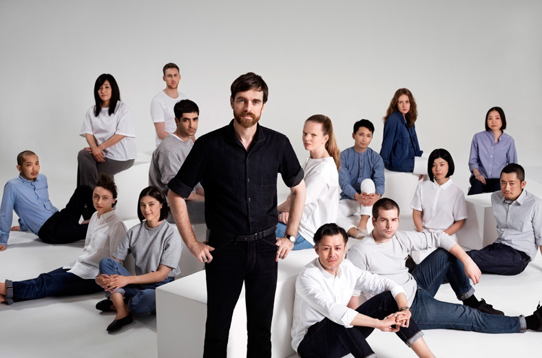 Christophe-Lemaire-with-the-UNIQLO-Paris-R&D-Center-team
