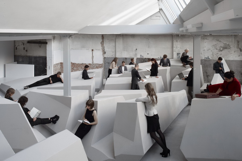 Resize RAAAF-Rietveld-Architecture-Art-Affordances-The-End-of-Sitting (Cr.Raaaf.nl)_01