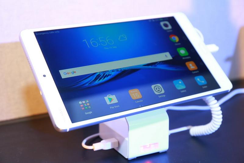 Resize Huawei MediaPad M3_01