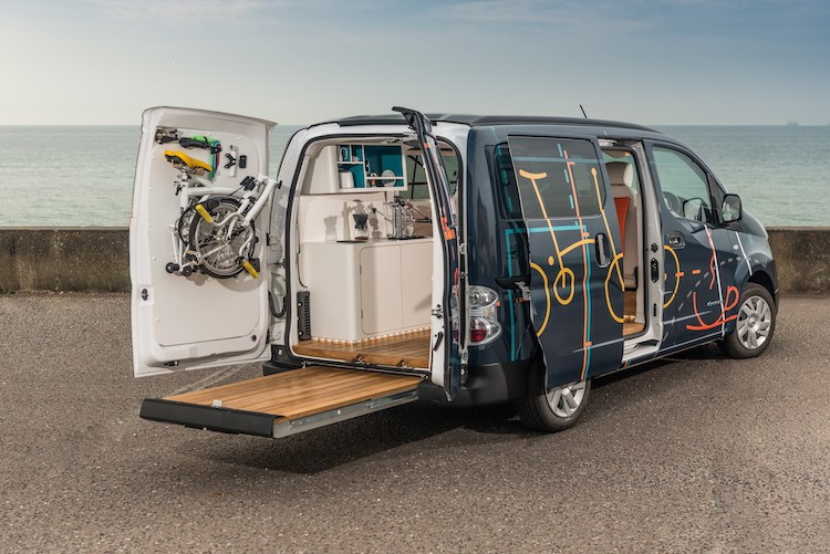 resize-nissan-van-e-nv200-workspace_03